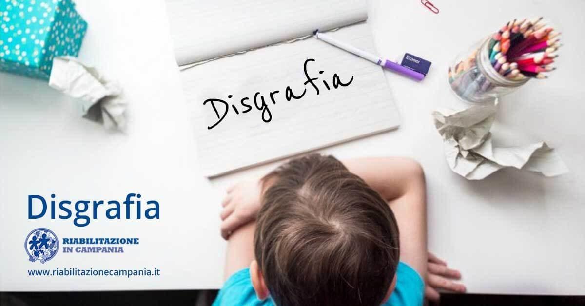 l'immagine di un bambino con difficoltà disgrafiche
