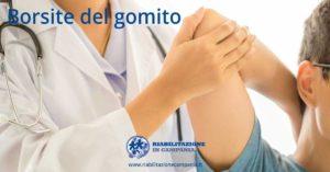 L'immagine rappresenta una sessione di fisioterapia per la borsite gomito fisioterapia e riabilitazione napoli